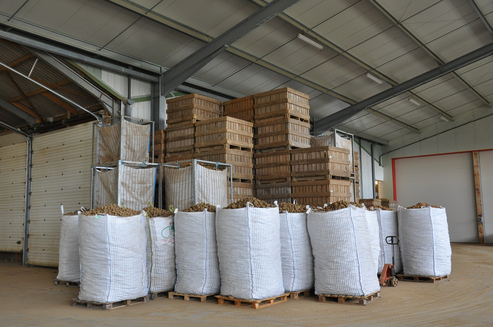 Big Bag + pallox dans hangar